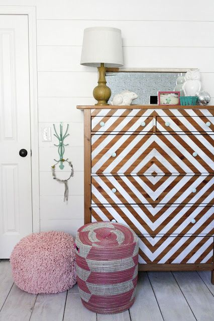 How to create a unique bedroom for kids with fun DIY projects.