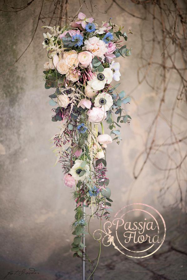 Bukiet i wianek ślubny z anemonami, eukaliptusem i jaśminem « Pracownia florystyczna Passja-Flora