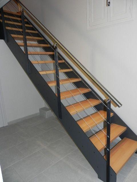 Escalier contemporain métal  main courante inox marche bois ardeche 07