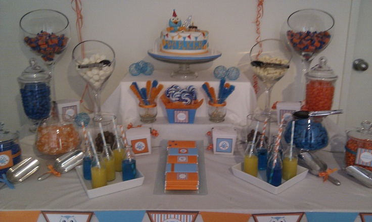 Giggle & Hoot themed party.  Orange & Blue