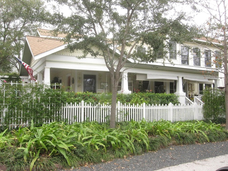 The OtHeR HoUsToN: BUNGALOW ROOFS, EAVES, GABLES & TRIM