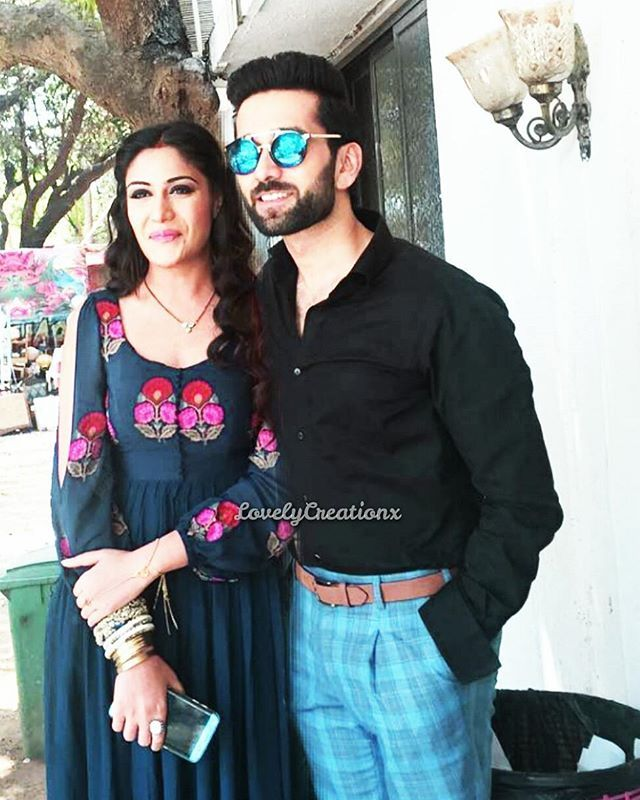 Better!!!  they be so perfect Previous one was way too quick guess I'll just Del that @nakuulmehta @officialsurbhic ~• #Shivika #Narbhi #ishqbaaaz #ishqbaaz #nakuulmehta #surbhichandna
