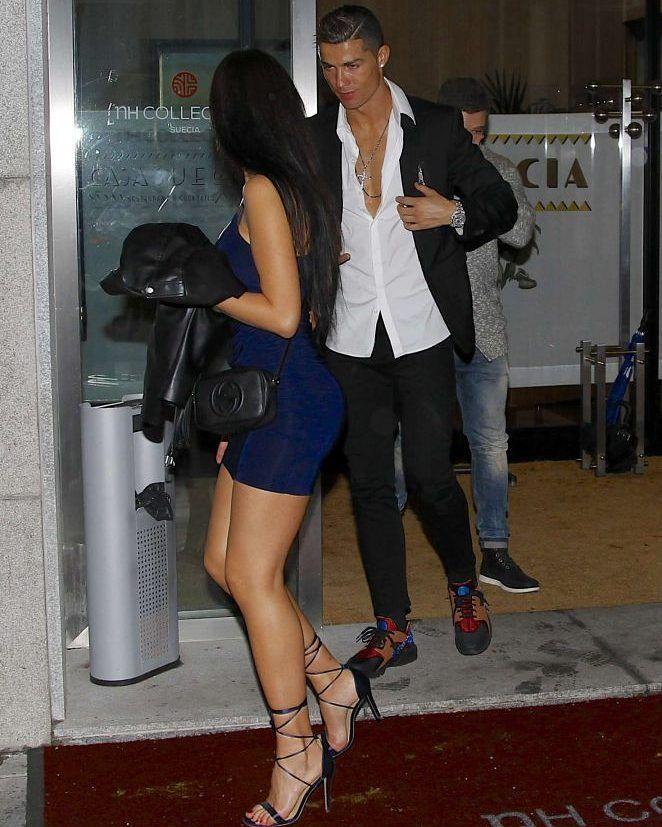 Georgina Rodriguez with Cristiano Ronaldo out in Madrid #wwceleb #ff #instafollow #l4l #TagsForLikes #HashTags #belike #bestoftheday #celebre #celebrities #celebritiesofinstagram #followme #followback #love #instagood #photooftheday #celebritieswelove #celebrity #famous #hollywood #likes #models #picoftheday #star #style #superstar #instago #georginarodriguez