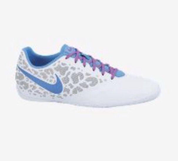 indoor soccer shoes for women