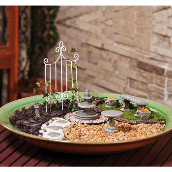 Mini Garden Set from New Creative by Evergreen Enterprises (www.myevergreen.com)