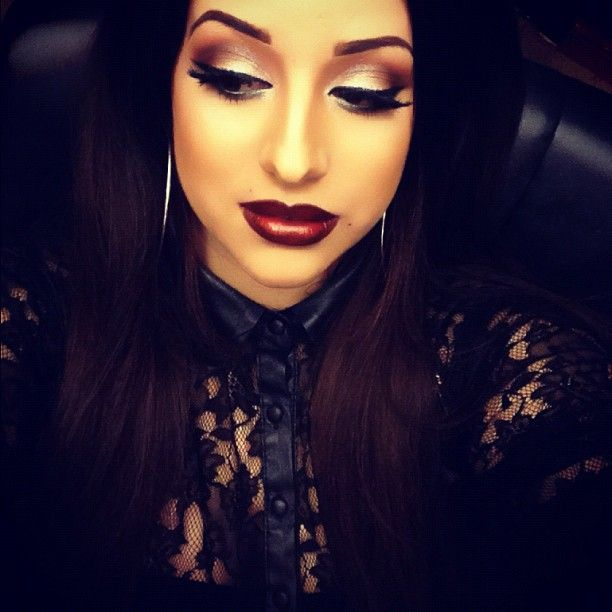 Chola makeup!!!!! i would so do this but dont think i could pull it off tho..looks good on her