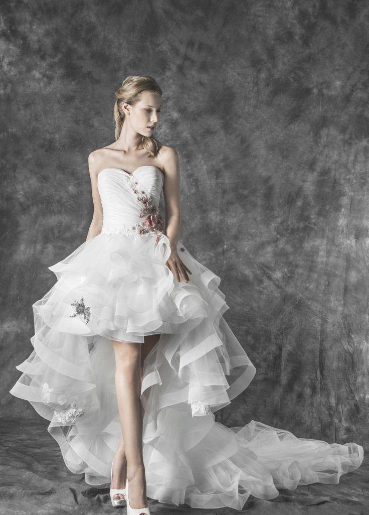 Magnani Atelier | Magnani Sposa Abito da sposa corto  con corpino plissettato.  e pizzo 3d rosa