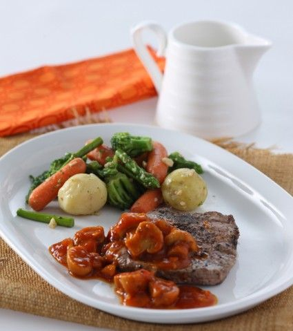 Tenderloin steak with tomato sauce, nikmati menyantap steak debfab saus yang…