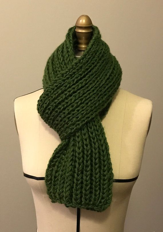 Bulky rib stitch scarves made with acrylic yarn, no itch and easy care!   Material: 100% acrylic  Color: Gray Measurements: 7.5 X 68 / 20cm X 176cm  Color: Green  Measurements: 7 X 52 / 18cm X 134 cm  Care: Machine washable and dryable