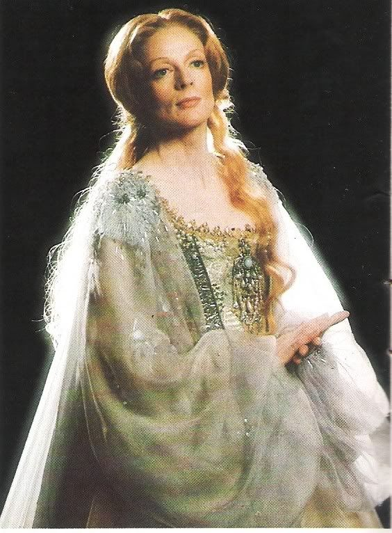 Maggie Smith as Titania in Midsummer Night's Dream, 1977