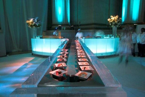 rotating sushi bar with ice block lining