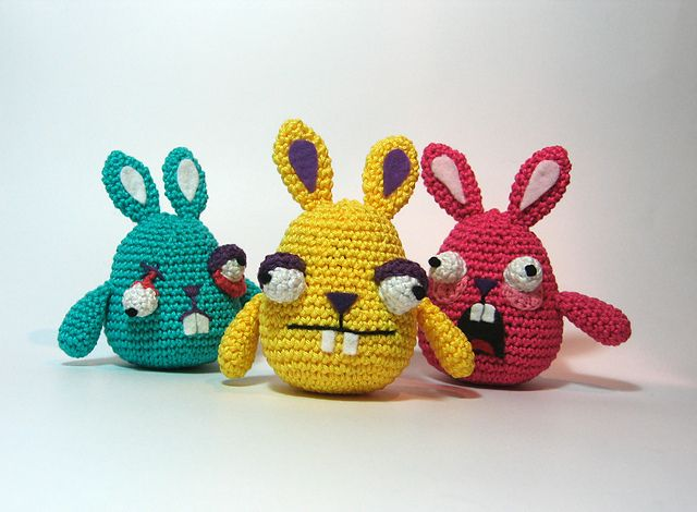 "Freaky Easter Bunnies - Free Amigurumi Crochet Pattern - PDF click ""download"" or ""free Ravelry download"" here: http://www.ravelry.com/patterns/library/freaky-easter-bunnies"