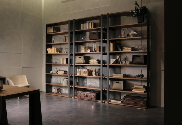 Libreria OperaPrima di MaxDivani su progetto dell'architetto Giovanna Azzarello