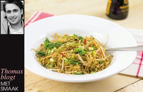 Vegetarische Pad Thai met pinda's en verse koriander - JAN Magazine