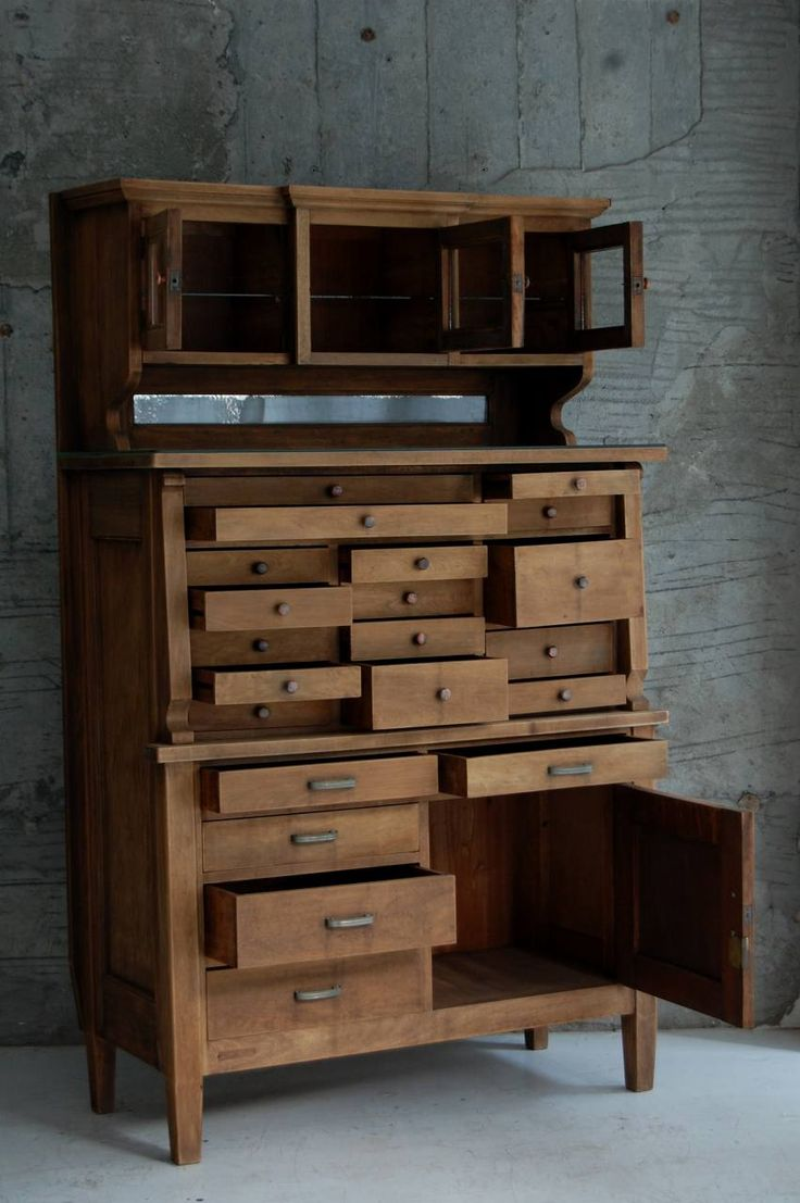 ANTIQUES CABINETS / SHELVING