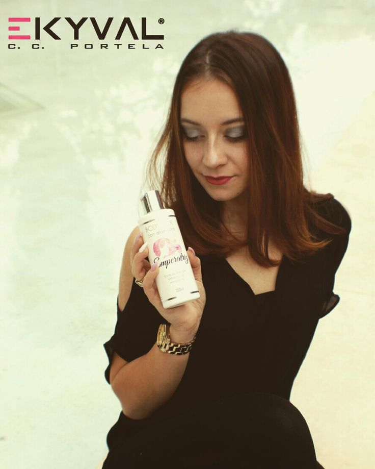 Com o sol a nossa pele tem tendência a ficar seca e com um aspeto baço...Já experimentou o nosso creme hidratante corporal com Aloe Vera?  Hidratação MÁXIMA! Venha experimentar e comprovar a nossa qualidade! Estamos no Centro Comercial da Portela.  #perfumista #parfums #perfumelovers #perfumes #perfumelover #scentoftheday #scents #flacon #perfumebottle #perfumeaddict #eaudetoilette #eaudeparfum #instaperfume #fragancias #miniperfume #parfum #vintageperfum #dior #diorperfume  #ambientadores…