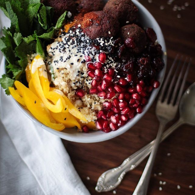 Baked beetroot falafel recipe + quinoa bowl with tahini dressing... www.firstfruittable.com