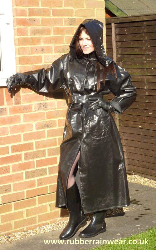 Do you like stunning brunettes in their sexy Rubber Rainwear? Enjoy!