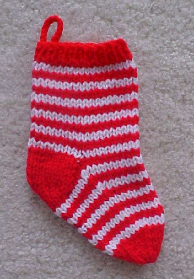 Christmas Stocking Knitting Pattern 2 Needles : 70 best images about Holiday Theme Knitting and Crochet ...