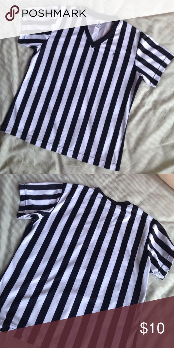 Women's Referee Shirt Gently worn in great condition. Size medium and can also fits a small. Makes a perfect costume! Pet and smoke free home! Tops Tees - Short Sleeve