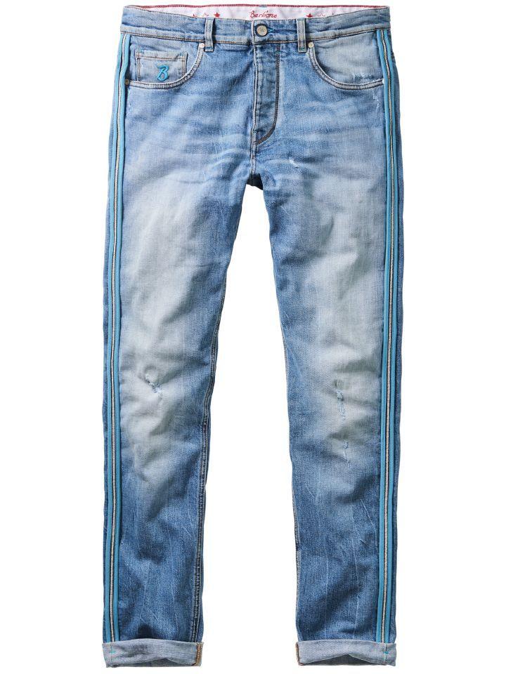 BARB'ONE JEANS SLY. #denim Salto mortale im Hosenschrank: Das neue Label #Barbone von Lucky de Luca staffiert seine #Jeans mit Temperament, Farbe und stylischen Schnitten aus. Auffälligstes Erkennungszeichen der Marke ist die nach außen gestülpte Naht mit dem aufgenähten farbigen Band. Der echte #Selvage Denim, 11 Unzen schwer und in Italien gewebt, macht diese sportiv-spritzige Jeans zu einer ganz besonderen. Helle Waschung mit leichten #Destroyed Effekten (alle von Hand gemacht).