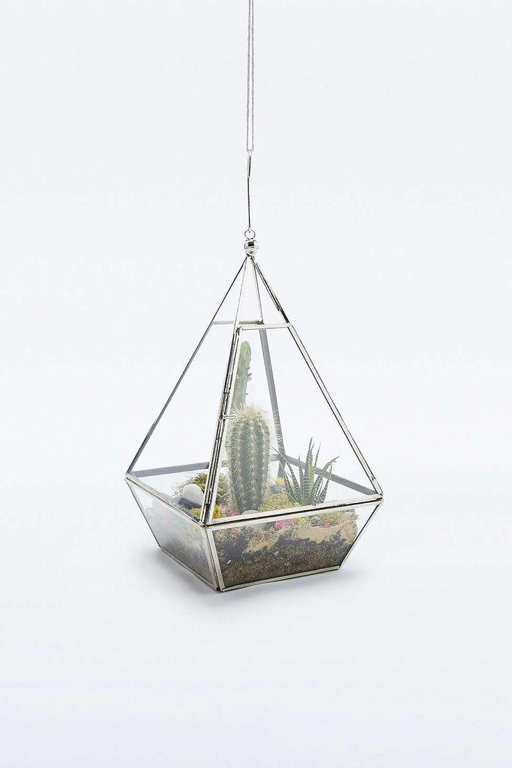 Urban Grow Pyramid Terrarium