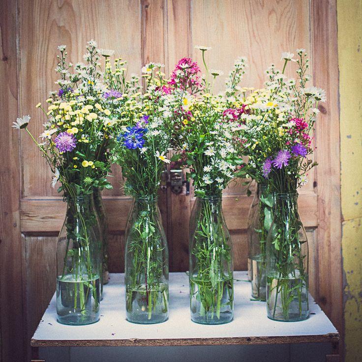 les 25 meilleures id es concernant fleurs sauvages pour mariage sur pinterest bouquets de. Black Bedroom Furniture Sets. Home Design Ideas