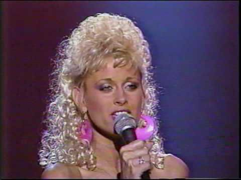 Lorrie Morgan I Fall to Pieces