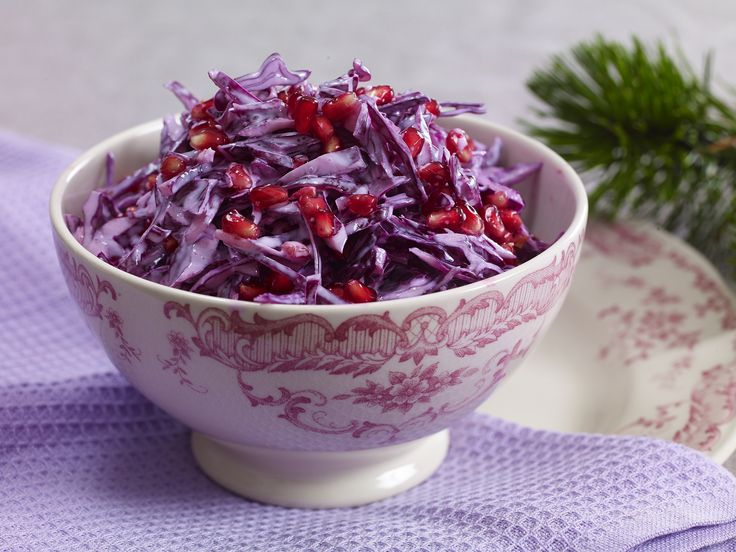 Kremet rødkålsalat med granateple