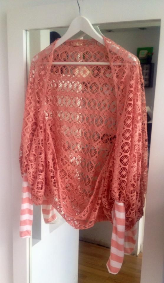 loose fitted lace cardigan with contrast sleeves - styled as a longer, wider bolero version