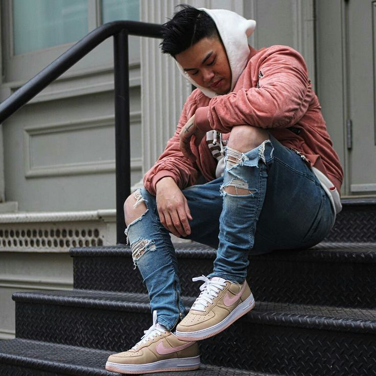 Street Style inspiration - ripped jeans and a pink bomber jacket #StyleMadeEasy
