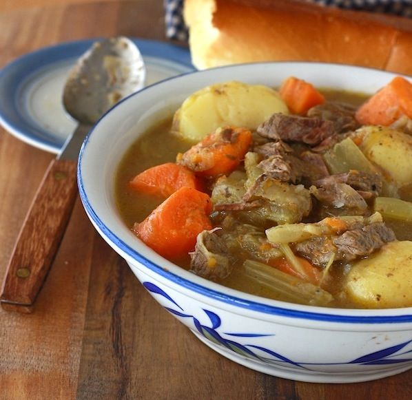 I needed a good beef stew recipe - and slow cooker recipes make life sooo good.