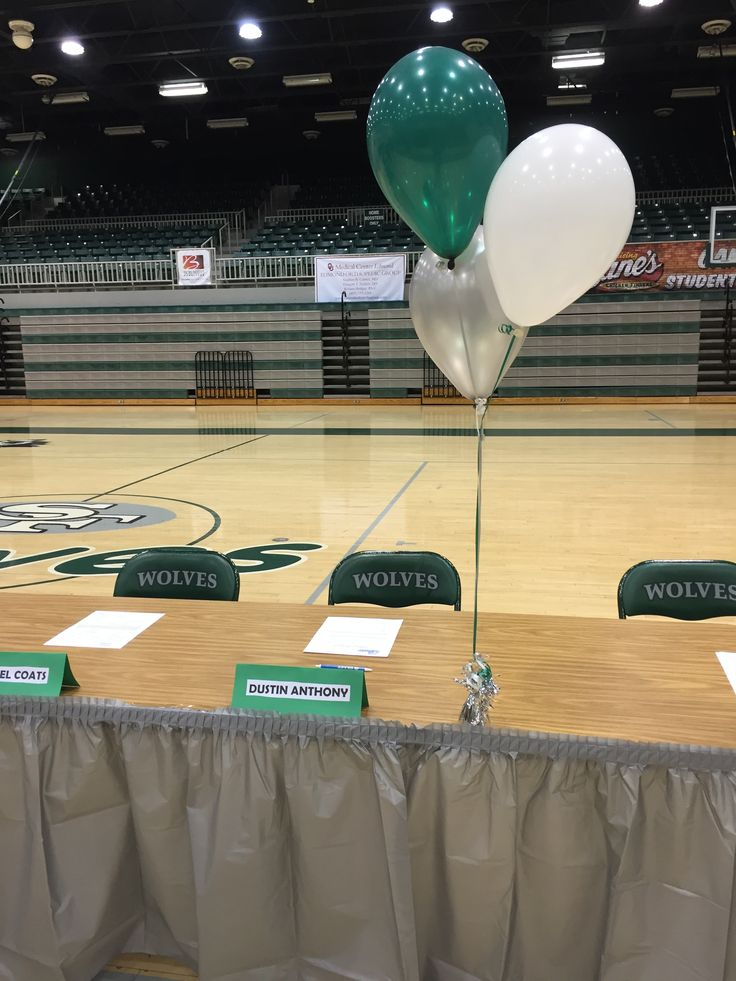 11 Best Images About National Signing Day Table Ideas On