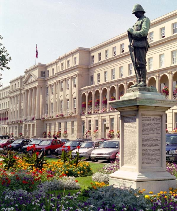 Municipal chambers in Cheltenham, with Boer War memorial