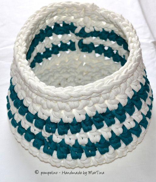 Körbe - Utensilo / Korb gehäkelt - Weiß und Petrol - ein Designerstück von Handmade-by-MarTina bei DaWanda