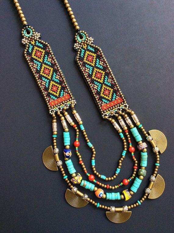 Collana con turchese, corallo, perle di commercio africano e perle di vetro veneziano, collana tribale, Collana Boho