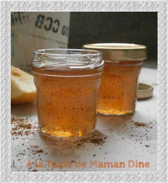 Gelée de pommes parfumée au pain d'épices (pas adapté pour régime hypotoxique) •1 volume de jus de pommes avec peau et pépin à l'extracteur •1/2 volume de sirop d'agave pour moi •le jus d'1 citron •2cc d'épices à pain d'épices