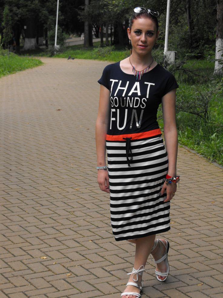 http://www.6ks.com/stripes-letters-printing-short-sleeves-dress_d11754.html?Deyuztablog