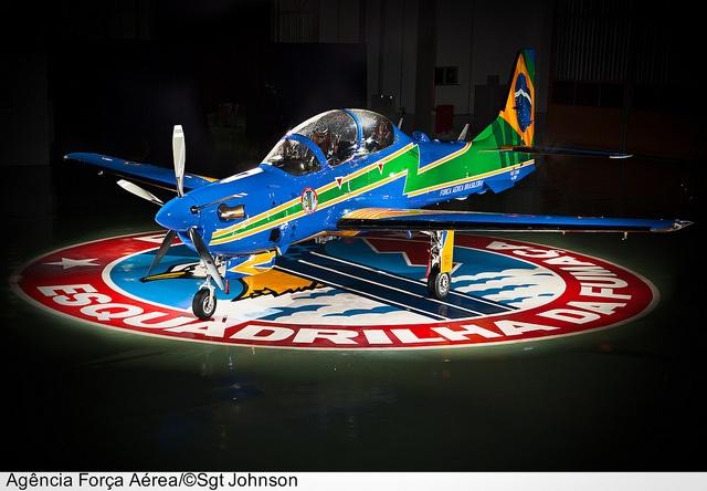 Apresentação do AT-29B Super Tucano nas novas cores da Esquadrilha de Demonstração Aérea - EDA, popularmente conhecida como Esquadrilha da Fumaça.