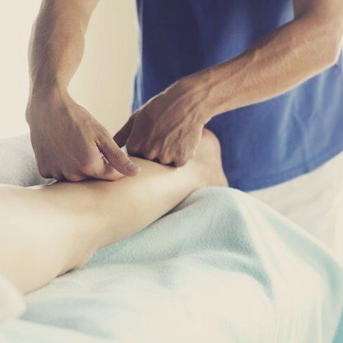 We've been getting hit with a lot of runners and weekend warriors playing outside. We offer sports #massage with lots of stretching and Biofreeze application for those sore achy muscles. Come see us at our new location next to Publix!  Read our amazing reviews on Facebook. See ya soon!!! #massagetherapists #spa #exercise #fitness #dreamy #comfortable