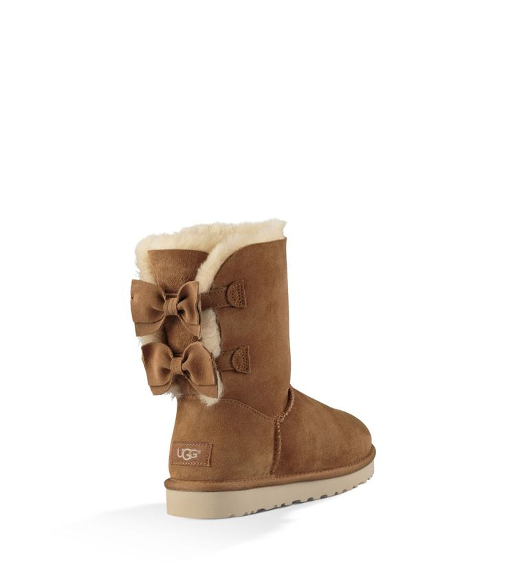 Shop our collection of women's sheepskin boots including the Meilani. Free Shipping & Free Returns on Authentic UGG® sheepskin boots for women at UGG.com.