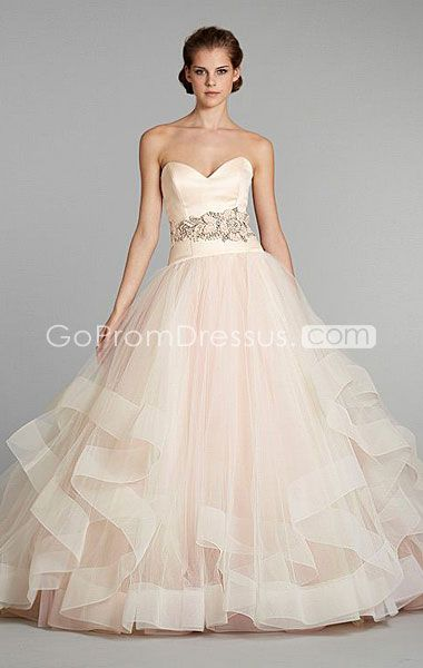 I never thought I'd like the ball gown look but I love the bottom of this dress
