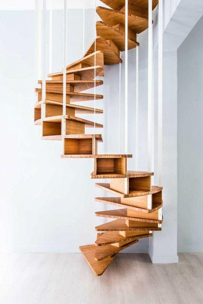 Spiralenförmige Treppe ohne Boden Berührung