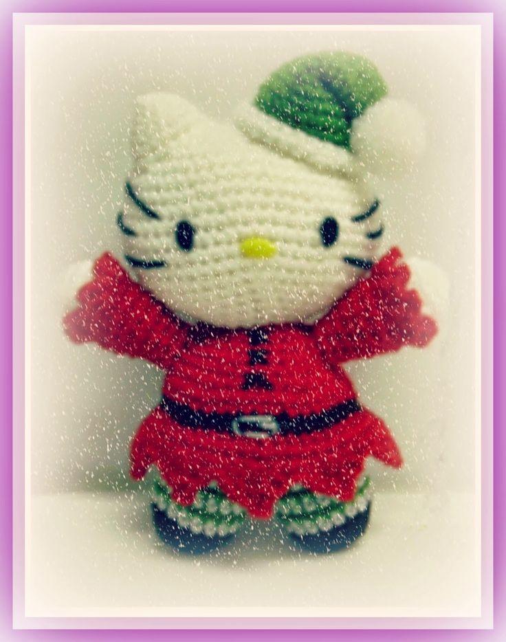 Hello Kitty Elfo - Patrón Gratis en Español e Inglés aquí: http://tejiendoconchico.blogspot.com.es/2015/02/hello-kitty-17.html