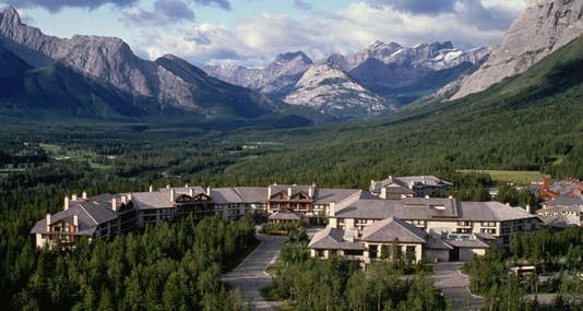 The Delta Lodge at Kananaskis - 412 guestrooms and suites, endless dining and entertaining options, in a family-friendly, luxurious setting!