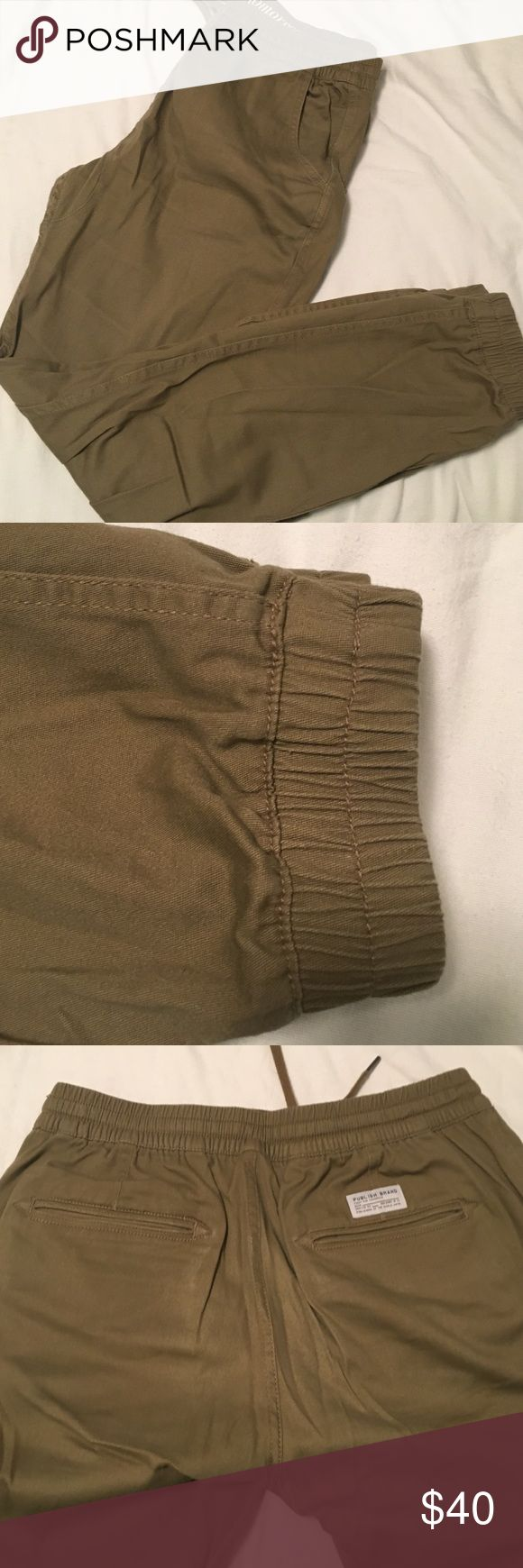 Men's Publish jogger pants in khaki green Men's Publish from Urban Outfitters jogger pants. Elastic at waist and ankles. Size 36. Khaki green color. Pockets on front and back. Publish Pants Sweatpants & Joggers