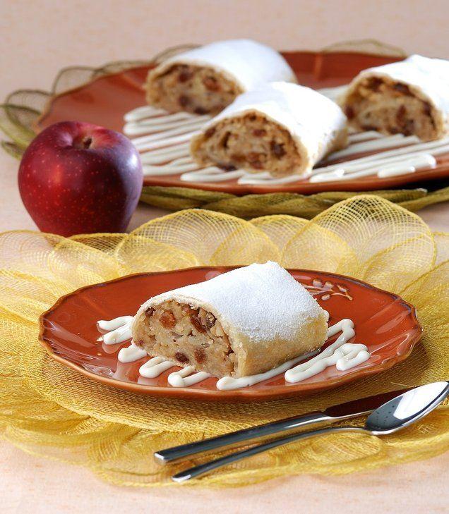 Özel olarak hazırlanan yufkası sayesinde çıtır çıtır olan, elma, kuru üzüm ve tarçın dolgulu strusel.