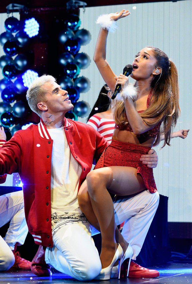 Pin for Later: Ariana Grande and Big Sean Show Sweet PDA on Stage