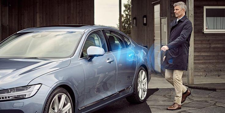 Volvo'nun yeni üretmiş olduğu kilit sistemi sayesinde artık otomobillerin kilitleri akıllı telefonlar üzerinden kontrol edilebilecek. İşte Volvo otomobil kilit sistemi hakkındaki detaylar! Sektörde en yenilikçi otomobil üreticilerinden bir tanesi haline gelen Volvo, güvenliği tartışmaya açık, son derece ilginç bir otomobil kilit sistemi üretti. Bu yeni sistem ile Volvo'nun piyasaya sürdüğü bazı otomobillerin kilitleri akıllı cep …