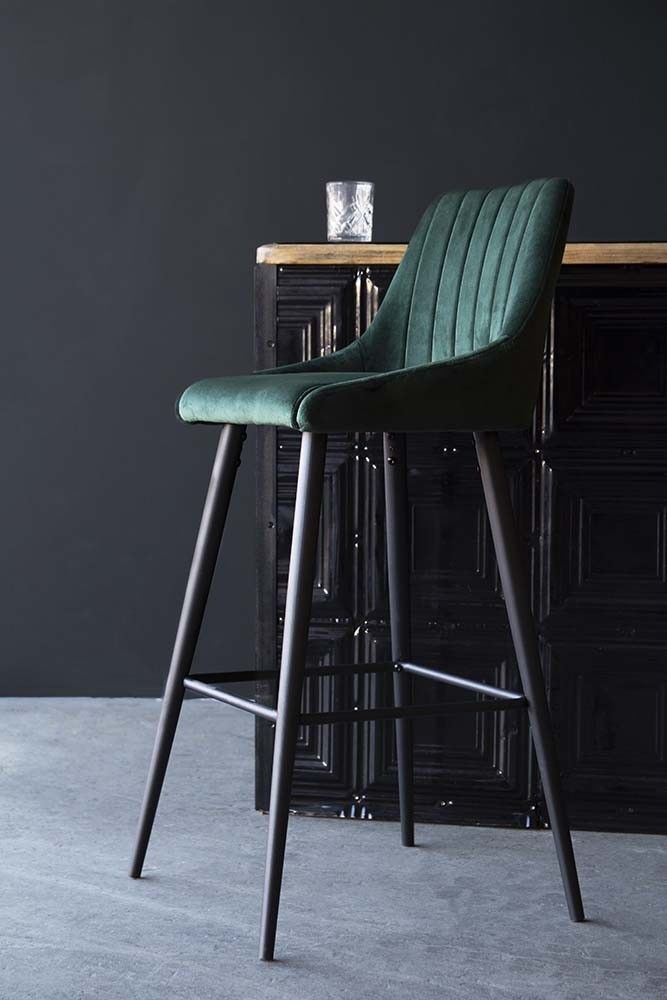 How To Choose A Bar Stool For Your Kitchen Check The Top Trends 2020 And Discover How To Choose A Bar Stool For You Bar Chairs Breakfast Bar Stools Bar Stools